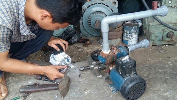 Thợ sửa chữa máy bơm tại Văn Phú 0986271445
