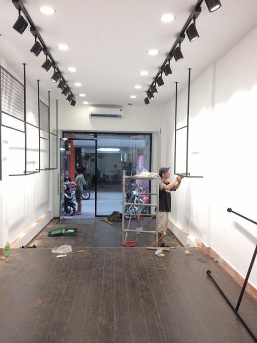 Thợ lắp đèn rọi ray chuyên nghiệp tại Hà Nội 0986271445
