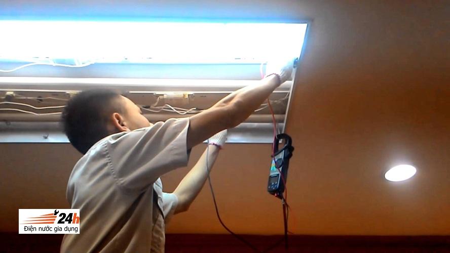 lắp đặt, thay thế đèn tuýp
